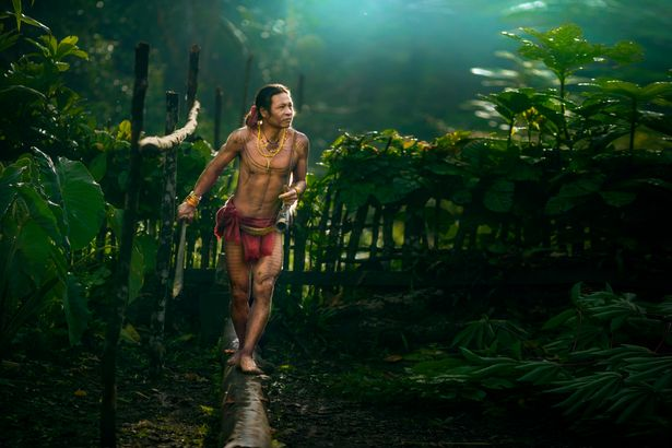 Khám phá bộ lạc sống biệt lập hoàn toàn với cuộc sống hiện đại - hình ảnh 3