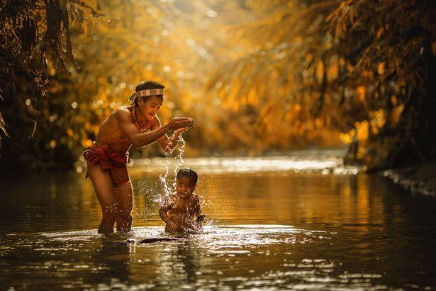 Khám phá bộ lạc sống biệt lập hoàn toàn với cuộc sống hiện đại - hình ảnh 6