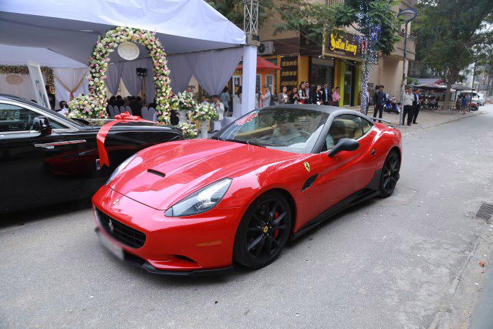Choáng với dàn siêu xe trong đám cưới Hoa hậu Thu Ngân - hình ảnh 6