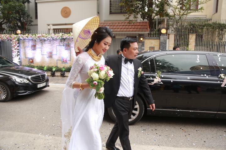 Choáng với dàn siêu xe trong đám cưới Hoa hậu Thu Ngân - hình ảnh 7
