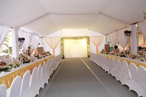 Choáng với dàn siêu xe trong đám cưới Hoa hậu Thu Ngân - hình ảnh 9
