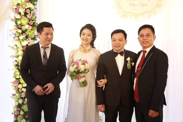 """HH Thu Ngân đeo vàng """"trĩu cổ"""" trong đám cưới với đại gia - hình ảnh 7"""