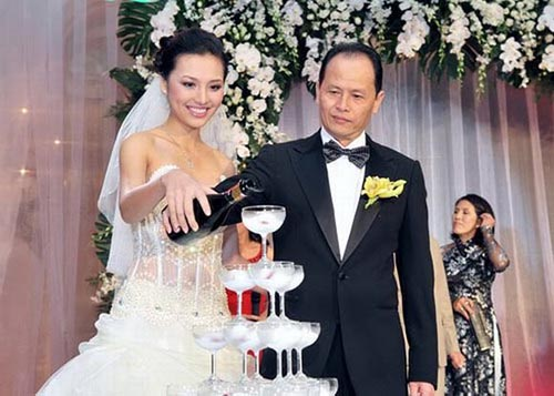 Choáng với danh sách hoa hậu, siêu mẫu Việt lấy chồng già - hình ảnh 7