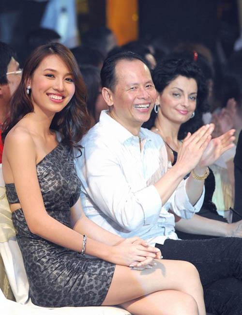 Choáng với danh sách hoa hậu, siêu mẫu Việt lấy chồng già - hình ảnh 9