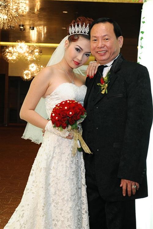Choáng với danh sách hoa hậu, siêu mẫu Việt lấy chồng già - hình ảnh 13