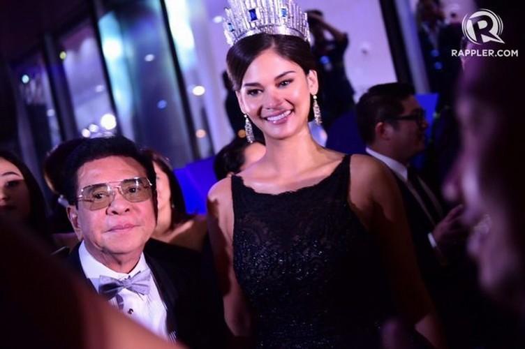 Suýt vấp té, Lệ Hằng ứng biến xuất sắc tại Hoa hậu hoàn vũ - hình ảnh 5