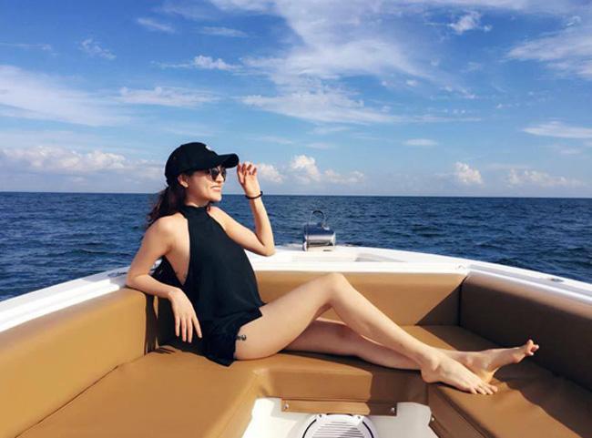 """""""Bỏng mắt"""" với ảnh bạn gái đi biển cùng Hồ Quang Hiếu - hình ảnh 11"""