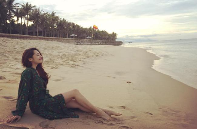 """""""Bỏng mắt"""" với ảnh bạn gái đi biển cùng Hồ Quang Hiếu - hình ảnh 22"""