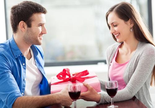 Bí kíp hẹn hò Lễ tình nhân cho các cặp mới yêu - hình ảnh 1