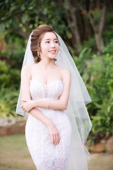 Elly Trần mặc soiree cúp ngực gợi cảm, chuẩn bị cưới chồng? - hình ảnh 1