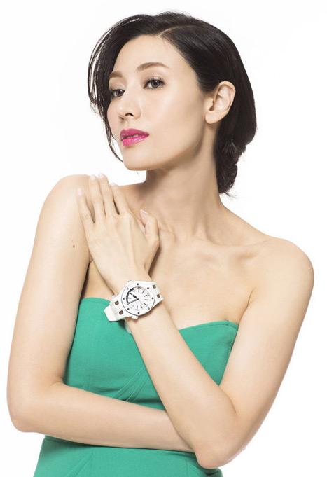"""Hoa hậu đẹp nhất Hương cảng khét tiếng """"sát"""" đại gia - hình ảnh 8"""