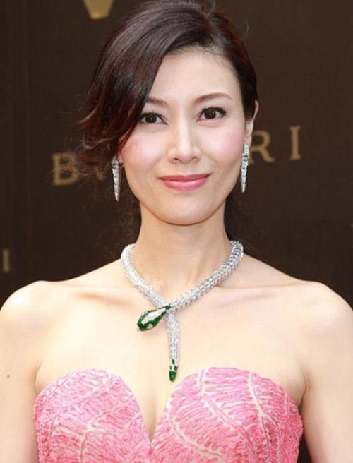 """Hoa hậu đẹp nhất Hương cảng khét tiếng """"sát"""" đại gia - hình ảnh 9"""