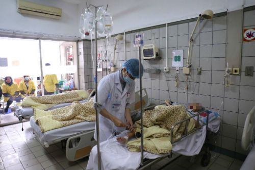 Chùm ảnh: Trói chặt bệnh nhân vào giường điều trị sảng rượu - hình ảnh 9