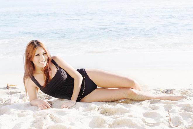 """Jennifer Phạm diện bikini xanh ngọc """"đọ sắc"""" cùng em gái - hình ảnh 15"""