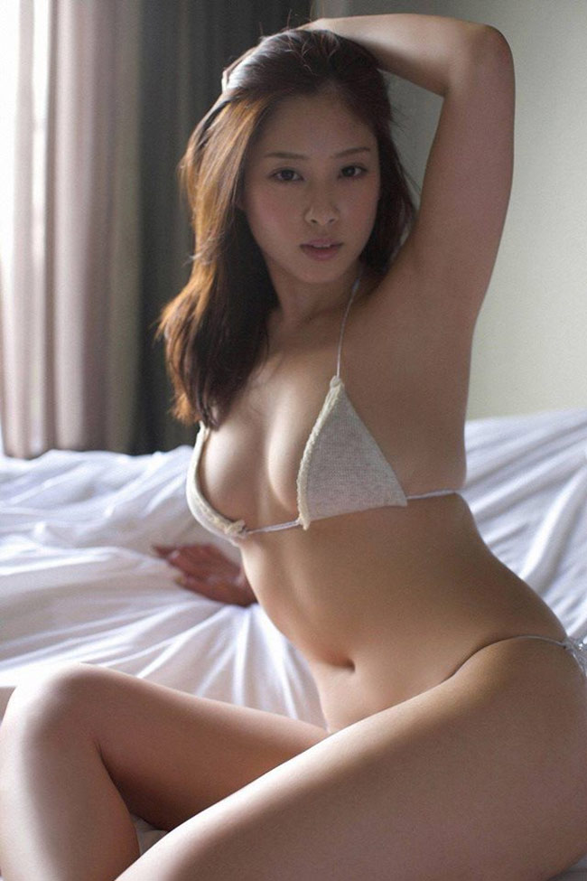 """Bikini """"khiêm tốn vải"""", mặc cho có của các cô gái Nhật Bản - hình ảnh 1"""