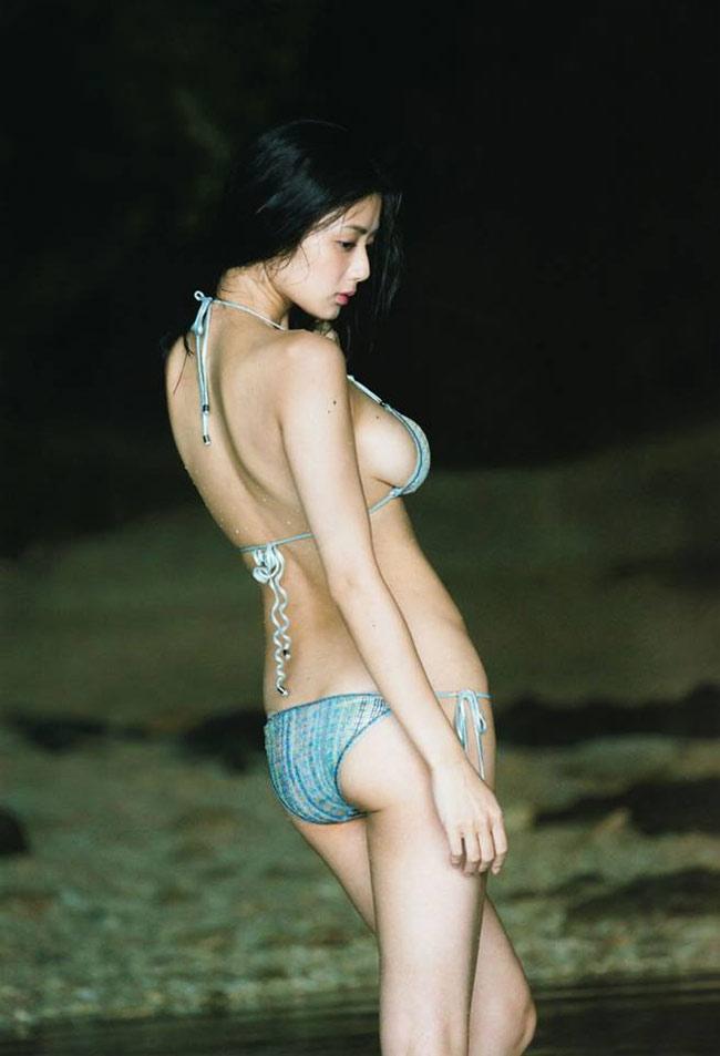 """Bikini """"khiêm tốn vải"""", mặc cho có của các cô gái Nhật Bản - hình ảnh 6"""