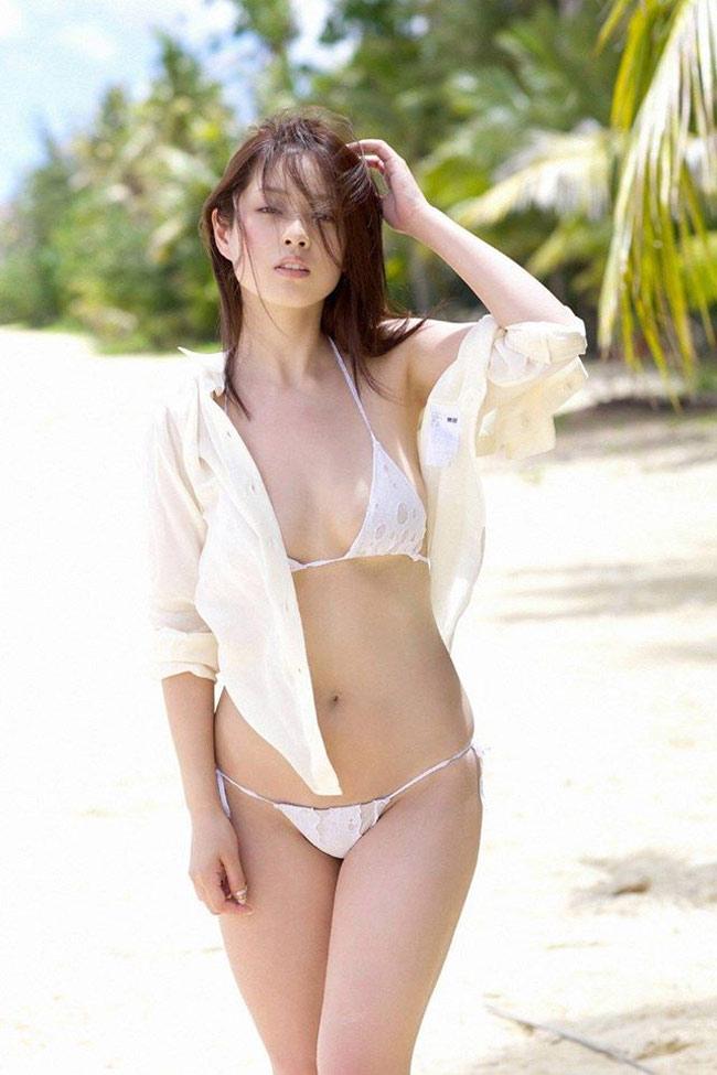 """Bikini """"khiêm tốn vải"""", mặc cho có của các cô gái Nhật Bản - hình ảnh 16"""