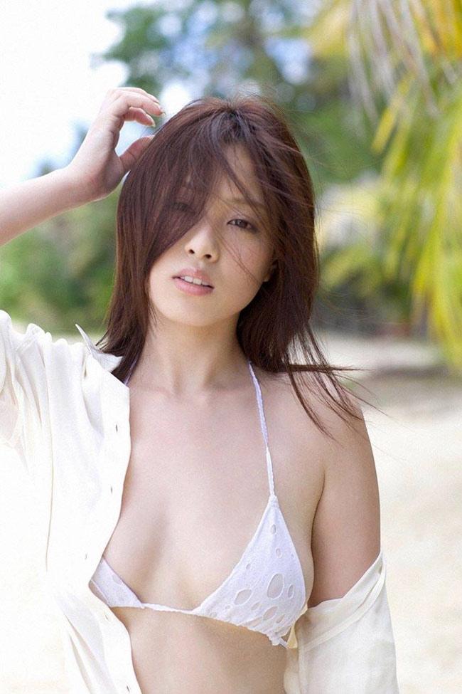 """Bikini """"khiêm tốn vải"""", mặc cho có của các cô gái Nhật Bản - hình ảnh 17"""