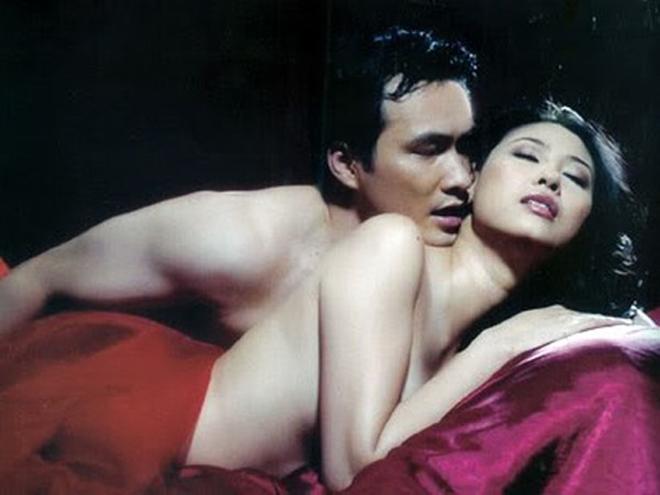 Những cảnh táo bạo của Hoa hậu Việt khiến người xem đỏ mặt - hình ảnh 12