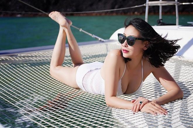 Những cảnh táo bạo của Hoa hậu Việt khiến người xem đỏ mặt - hình ảnh 10