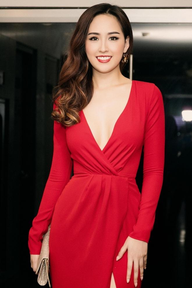Những cảnh táo bạo của Hoa hậu Việt khiến người xem đỏ mặt - hình ảnh 16