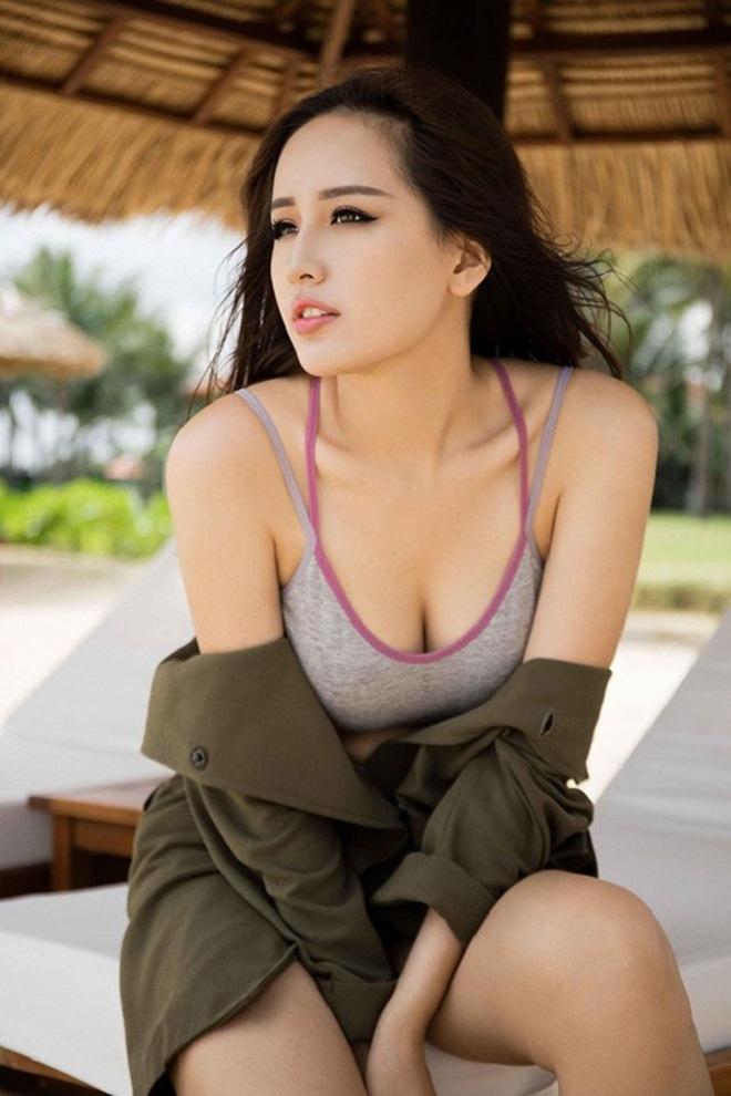 Những cảnh táo bạo của Hoa hậu Việt khiến người xem đỏ mặt - hình ảnh 15