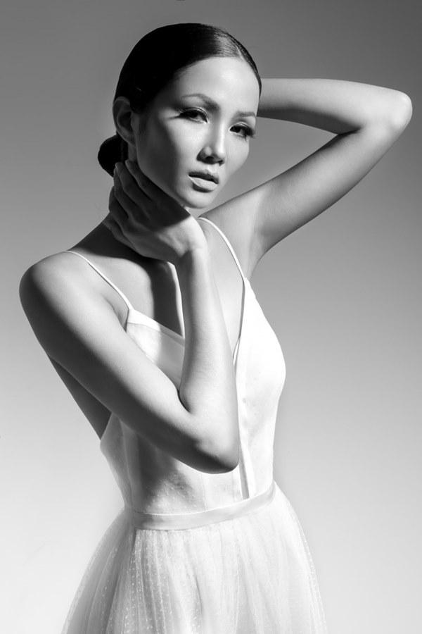 Tân Hoa hậu Hoàn vũ Việt Nam thuở tóc dài xinh như búp bê - hình ảnh 12