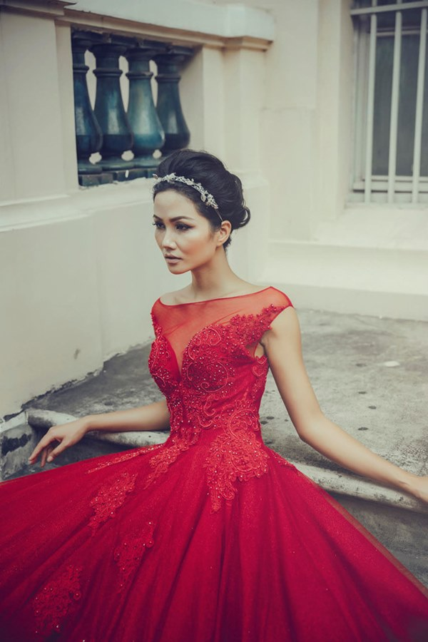 Tân Hoa hậu Hoàn vũ Việt Nam thuở tóc dài xinh như búp bê - hình ảnh 10