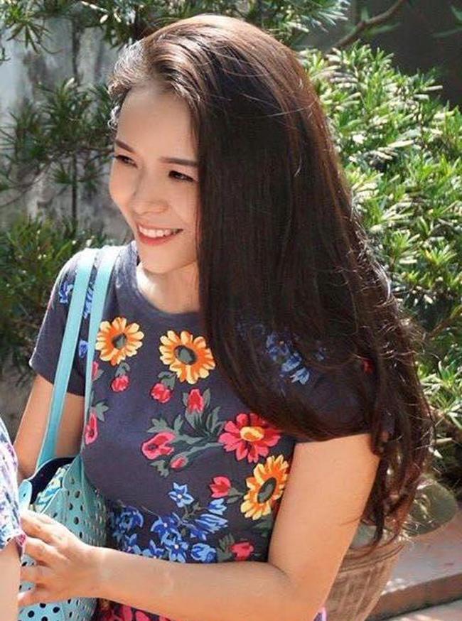 Sao Việt không ngại những cảnh khoe ngực, phản cảm trong hài Tết - hình ảnh 21