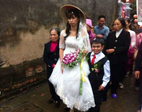 Chú rể 1m hạnh phúc bên cô dâu xinh xắn 1m6 ở Hà Nam - hình ảnh 2