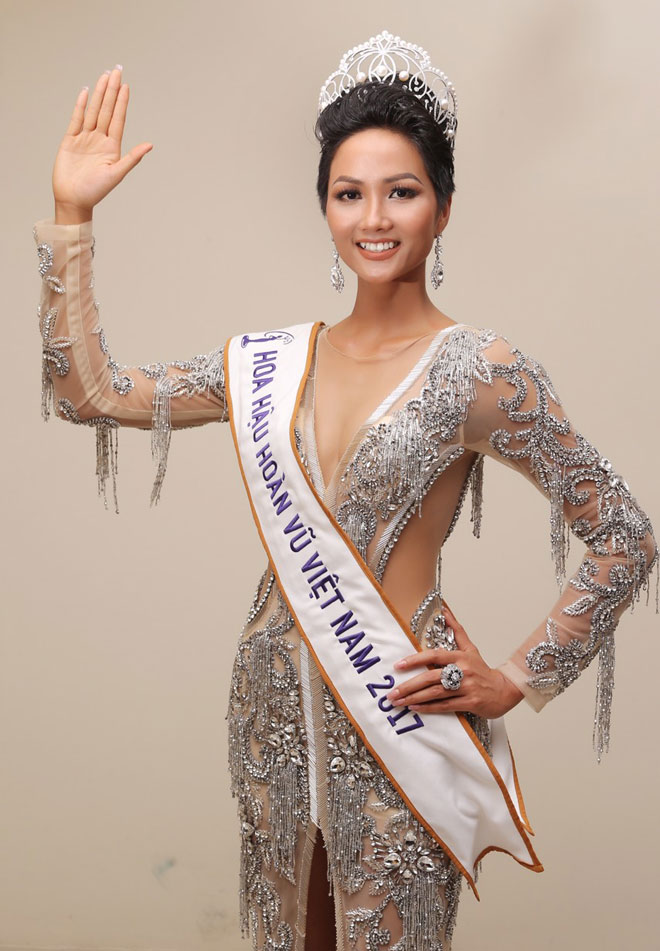 """3 mỹ nữ dân tộc đẹp lạ từng """"khuynh đảo"""" các cuộc thi hoa hậu Việt - hình ảnh 2"""