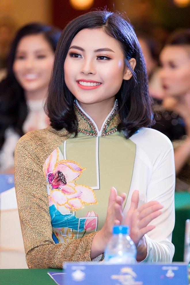 """Á hậu """"siêu vòng 3"""" Khánh Phương khoe hình thể thắt đáy lưng ong - hình ảnh 4"""