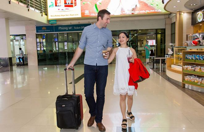 Lan Phương đã đính hôn với bạn trai ngoại quốc cao hơn 2m - hình ảnh 1