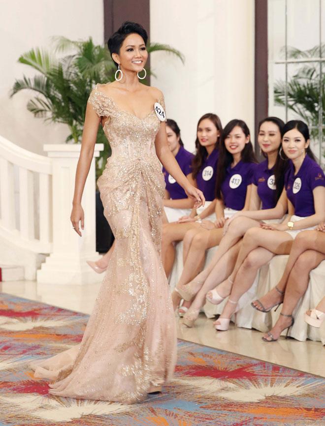 """H'Hen Niê: Tự tin để Việt Nam """"phục thù"""" ở Hoa hậu Hoàn vũ Thế giới 2018 - hình ảnh 5"""