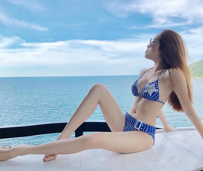 Gu mặc gợi cảm của nữ MC nóng bỏng nhất VTV từng thi hoa hậu - hình ảnh 1