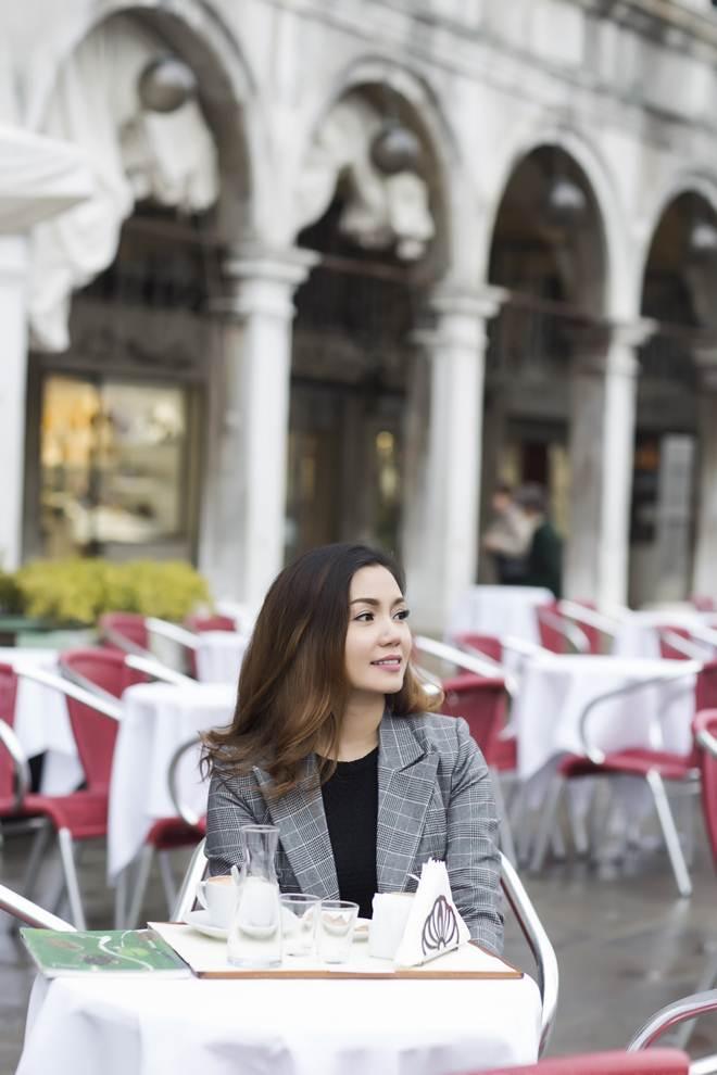 Ngọc Anh lộ ảnh tình tứ tại Italy bên người tình kém 3 tuổi - hình ảnh 3