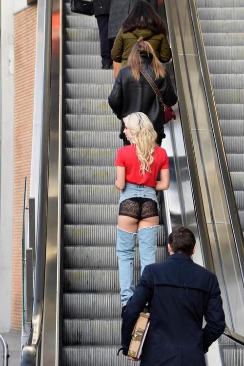 Cô mẫu liều mình mặc jean khoét cực hiểm ra phố và kết quả bất ngờ - hình ảnh 3