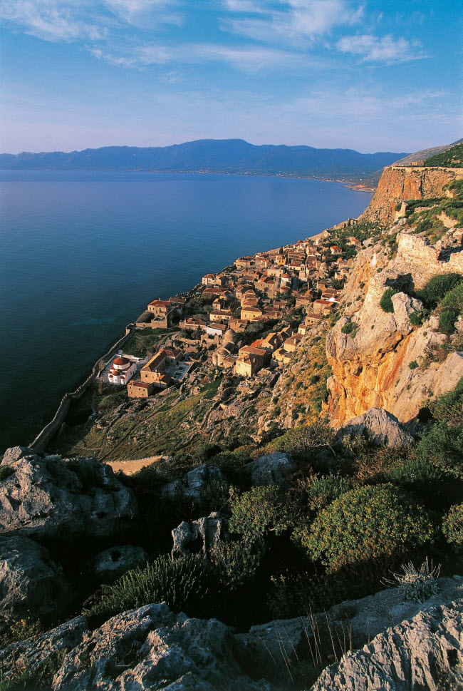 Khám phá 20 ngôi làng nằm ở vị trí độc đáo nhất thế giới - hình ảnh 12