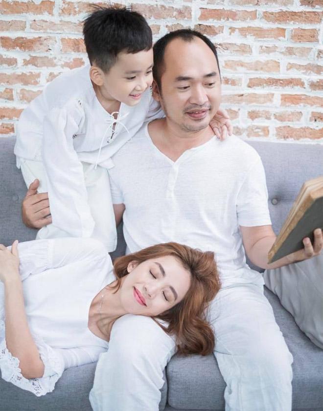 Tiến Luật vẫn yêu điên cuồng Thu Trang sau 7 năm cưới - hình ảnh 5