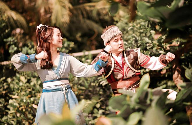 """Vợ chồng Ưng Hoàng Phúc hóa """"Quách Tĩnh, Hoàng Dung"""" trong MV cổ trang - hình ảnh 4"""