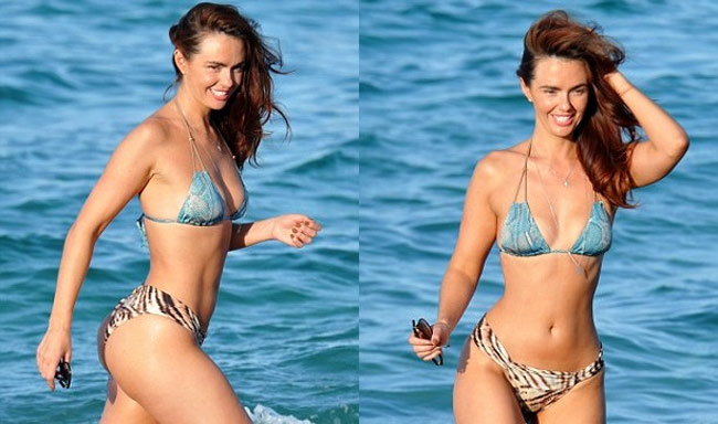 Đứng hình vì bikini nhỏ xíu của người đẹp có vòng 3 hot nhất Anh quốc - hình ảnh 18