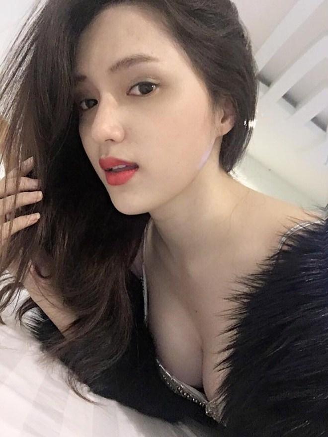 """""""Mỹ nữ chuyển giới đẹp nhất Việt Nam"""" thích thả rông khi ở nhà - hình ảnh 12"""