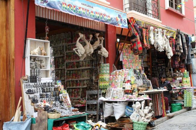 Lạnh người lạc vào khu chợ của phù thủy - hình ảnh 6