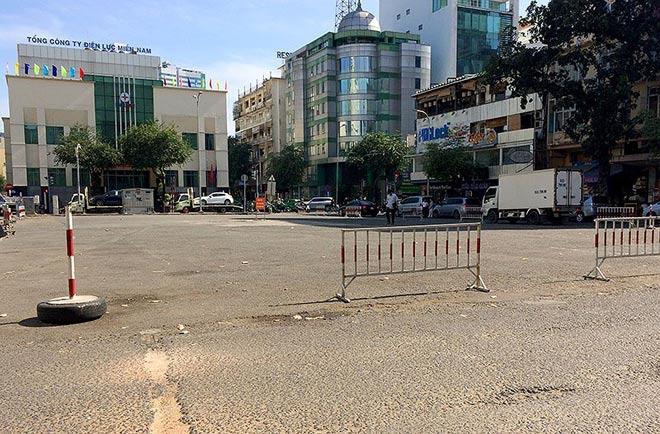 """Sau """"lệnh"""" của ông Đoàn Ngọc Hải, nhiều bãi giữ xe đóng cửa gấp - hình ảnh 4"""