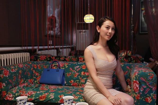 Cảnh nhạy cảm của nàng Hoa hậu có giá đi khách 1 tỷ đồng - hình ảnh 10