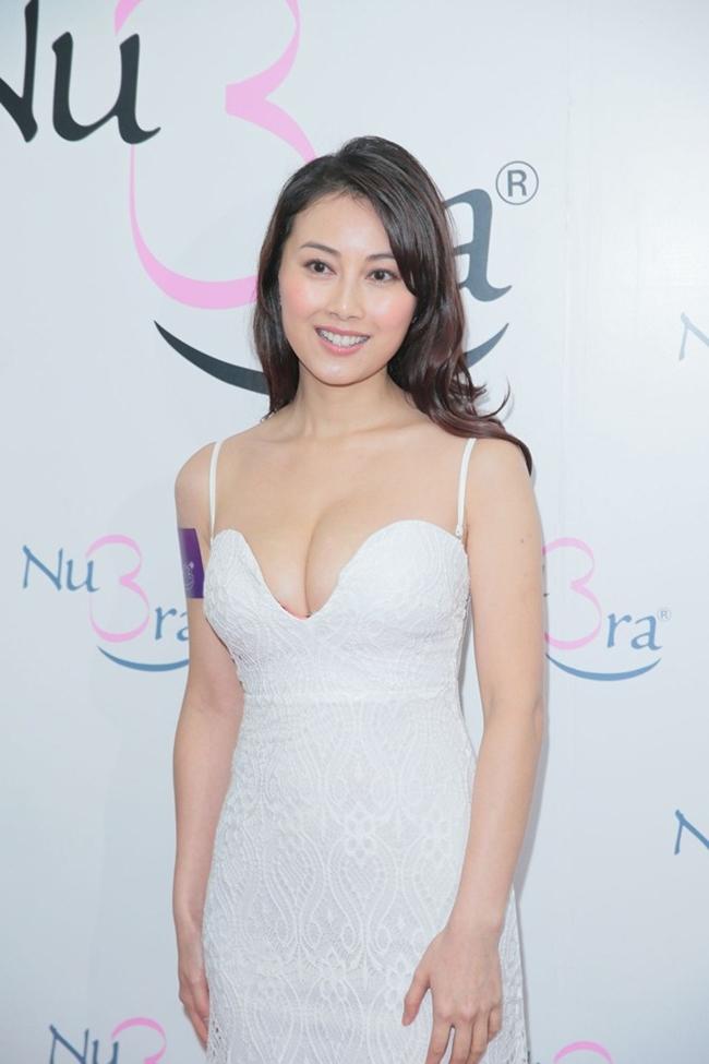 Cảnh nhạy cảm của nàng Hoa hậu có giá đi khách 1 tỷ đồng - hình ảnh 22