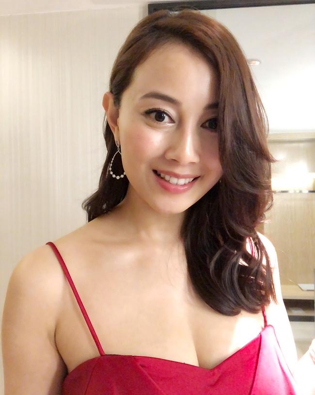 Cảnh nhạy cảm của nàng Hoa hậu có giá đi khách 1 tỷ đồng - hình ảnh 25
