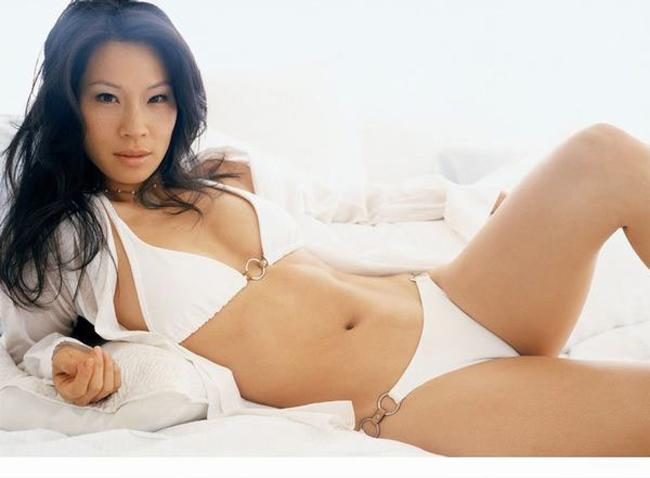 Nữ diễn viên Lưu Ngọc Linh (Lucy Liu) nổi tiếng từnhững năm 90 với nhiều thước phim nóng bỏng.