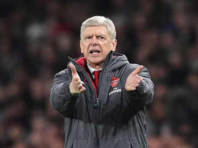 """Arsenal chi núi tiền: Sắp """"trảm"""" Wenger, thay bằng HLV thích ngoáy mũi"""