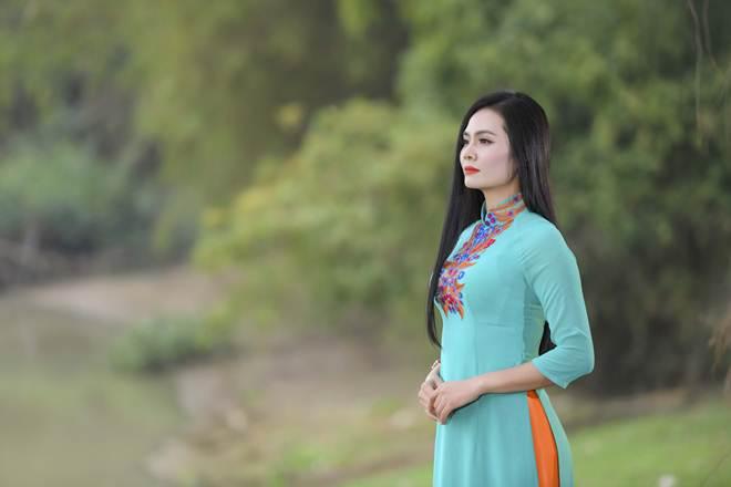 NSND Lan Hương rơi nước mắt vì ca khúc do Lương Nguyệt Anh sáng tác - hình ảnh 7